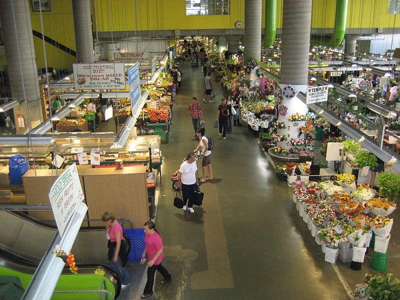 800px-hamilton_farmers_market_a