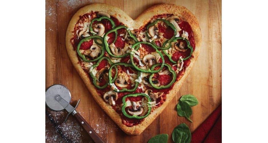 boston_pizza_heart-shaped_pizza
