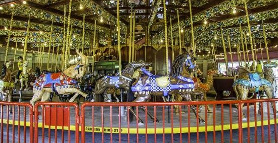 lakeside-park-carousel