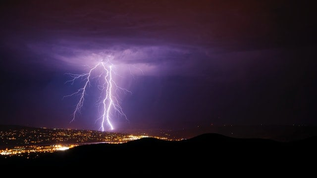 lightning-stock-is