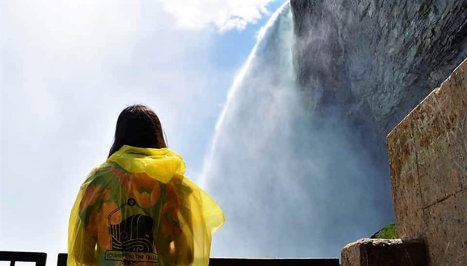 niagara_behind_the_falls