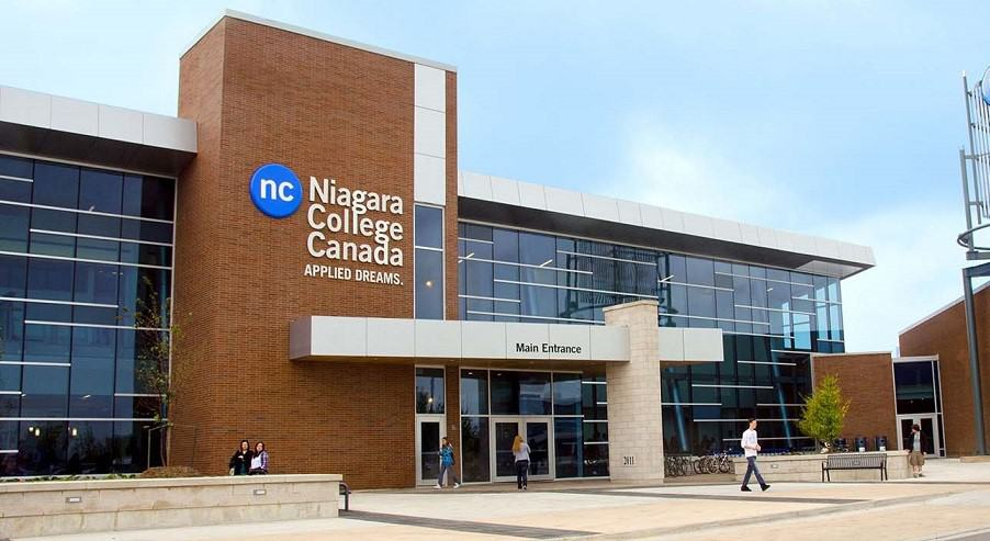 niagara_college_wcmain-entrance2