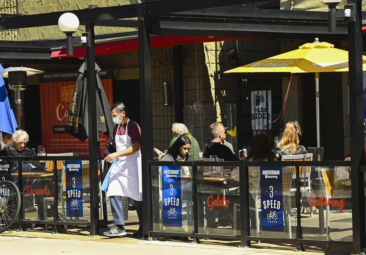 patio_mississauga_brampton_reopening