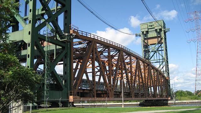 burlington_canal_lift_bridge_a