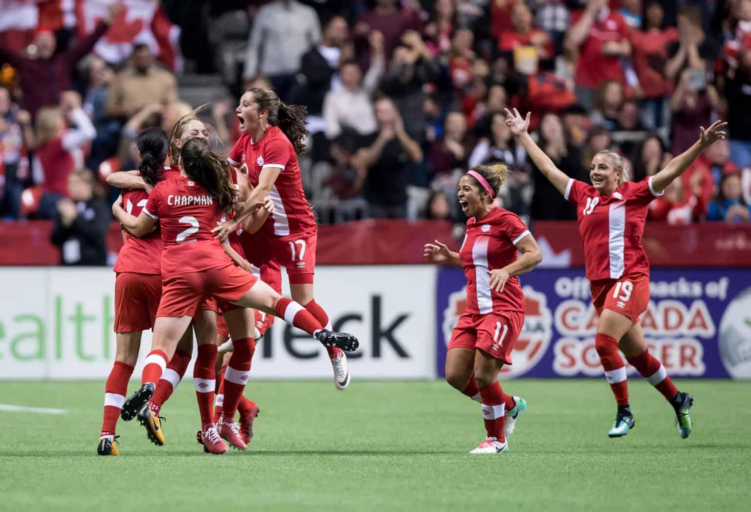womens_soccer_gold