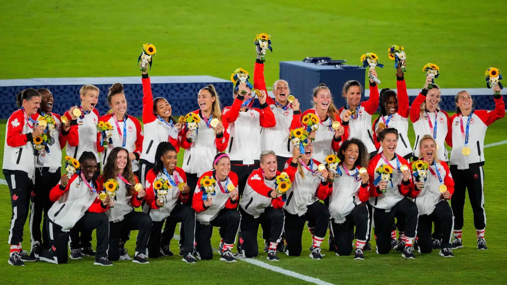 womens_soccer_gold_2