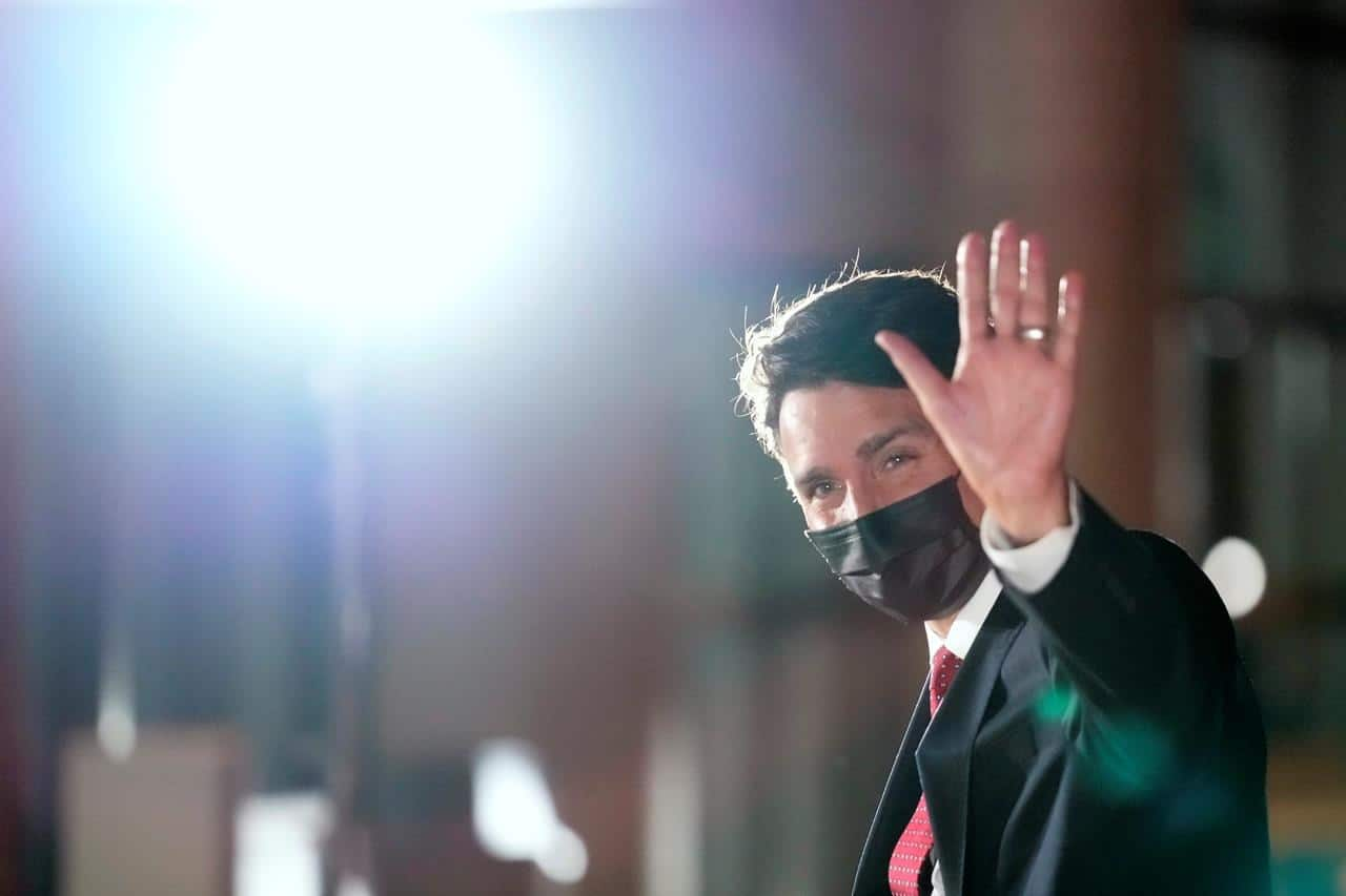 Trudeau saying hello