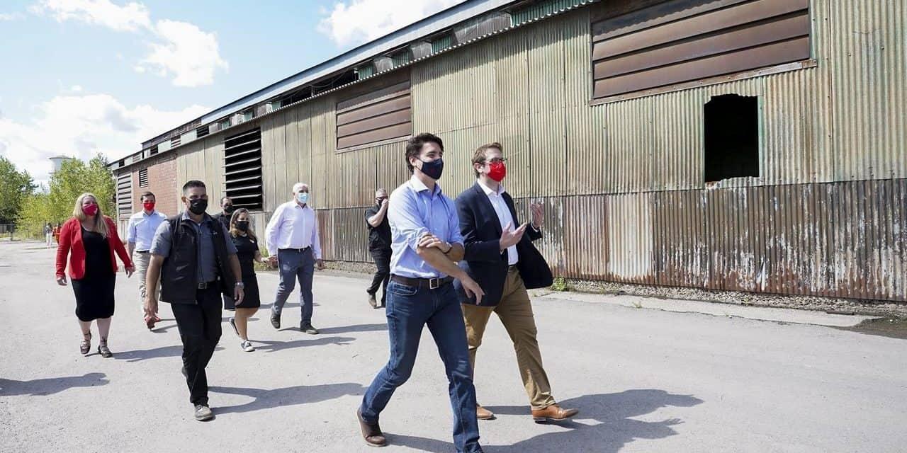 Trudeau walking Mississauga